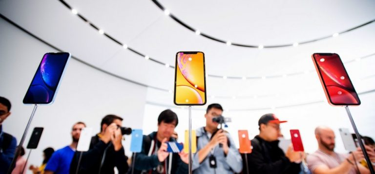 The 5G iPhones Are Coming, But You'll Have to Wait a Bit Longer