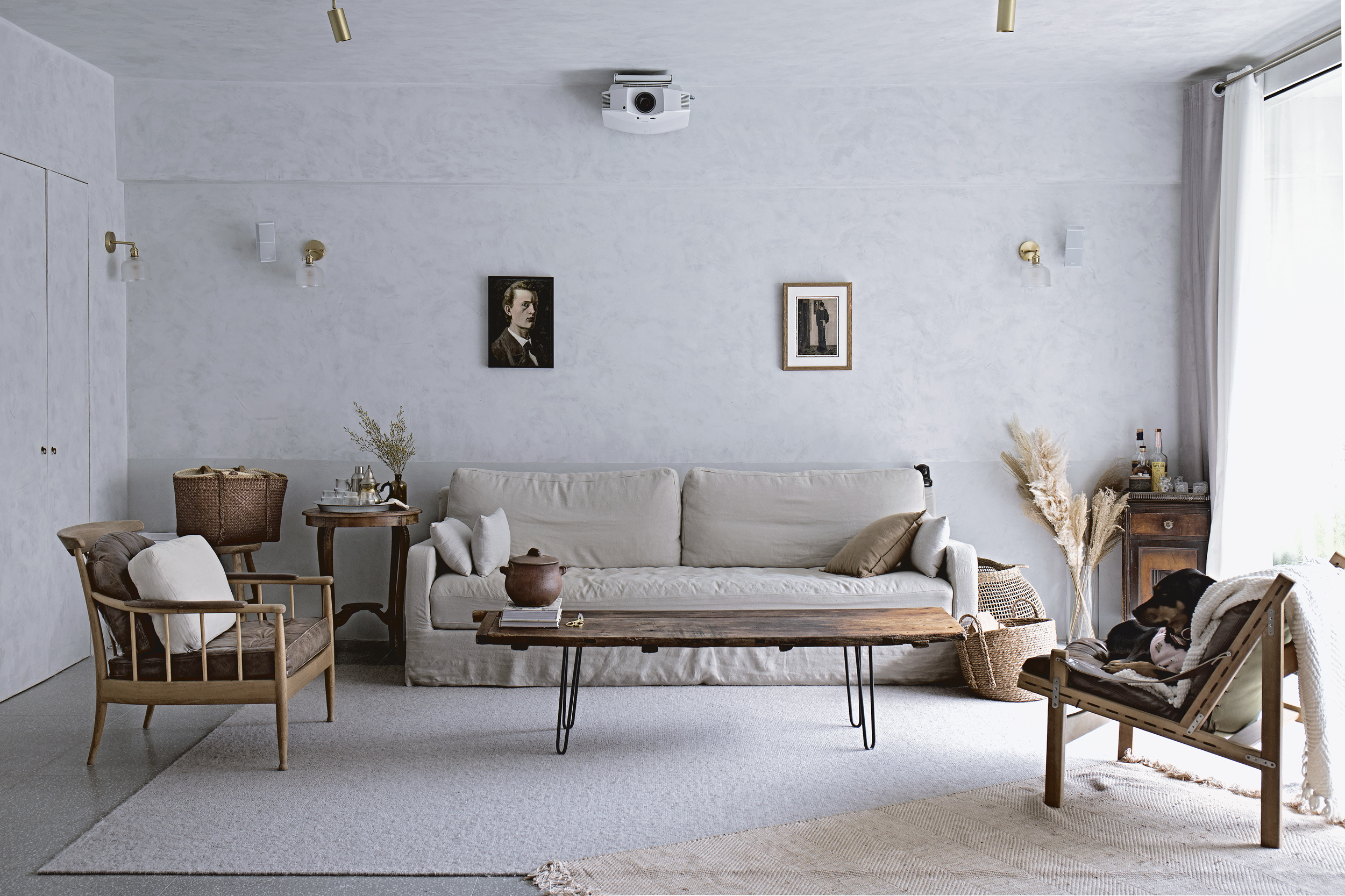 Soft in the City: Mandy Lee's Serene Apartment in Hong Kong