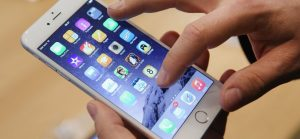 Apple Will Pay Out $500 Million In a Settlement Over iPhone Throttling Claims