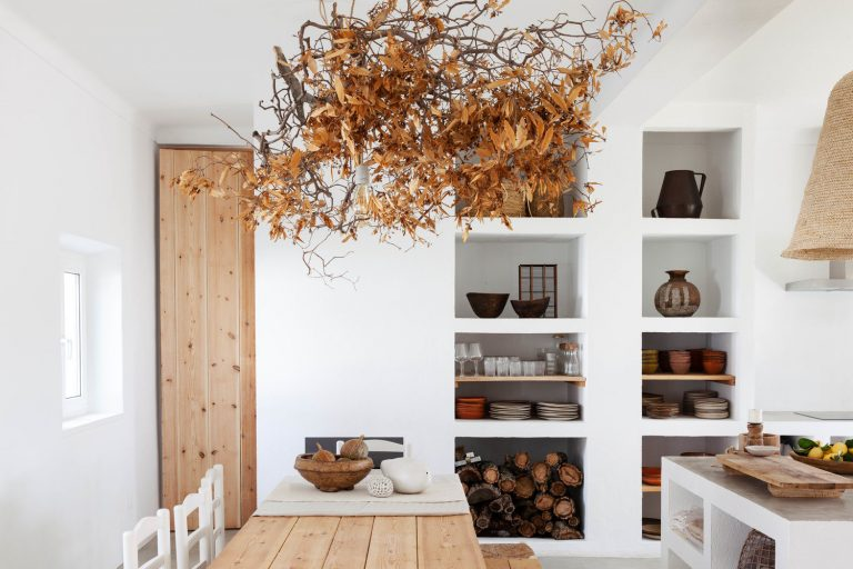 Cucumbi: A Rustic Guest House in Portugal, Suited for Autumn