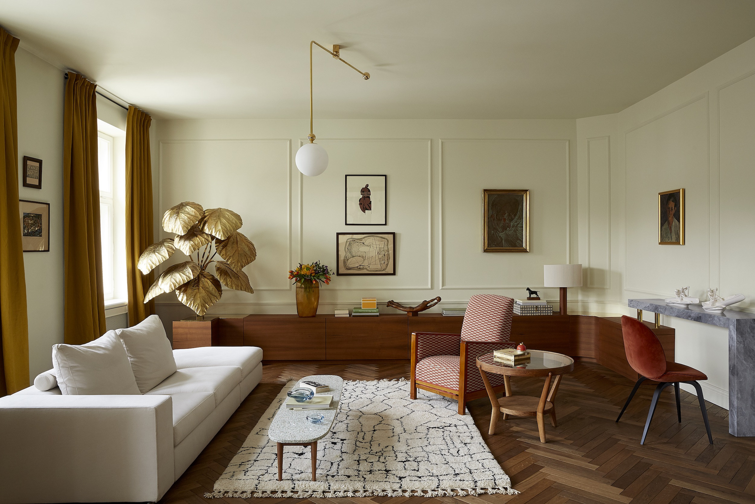 A Novelist's Elegant Pied-a-Terre in Warsaw
